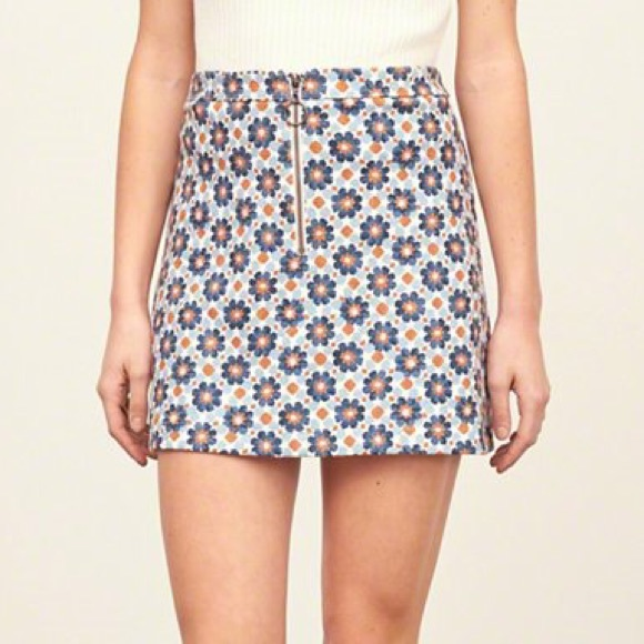Abercrombie & Fitch Dresses & Skirts - A&F printed a line skirt